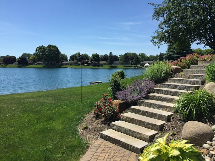Jewel on the lake -  Enjoy Lake Living in the City
