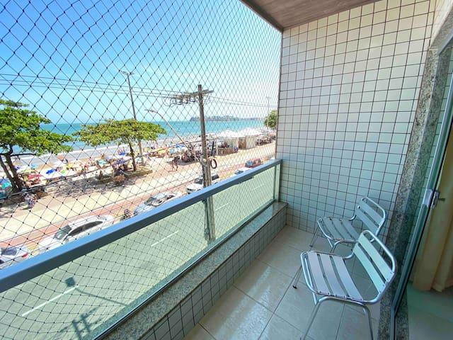 Apartamento Beira Mar! Varanda de frente ao Mar!