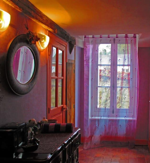 A l'étage, la chambre