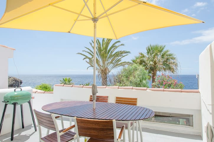 85 Seafront, golf, swimming pool