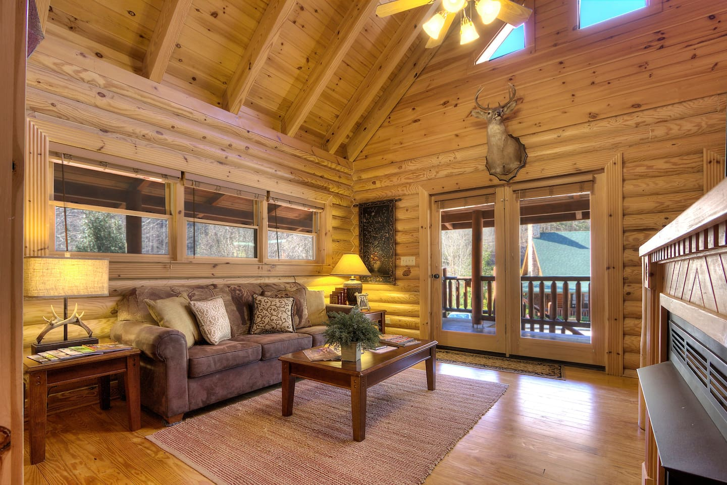 WOWZER!!! Duplex...rent your own private side of this gorgeous cabin!!