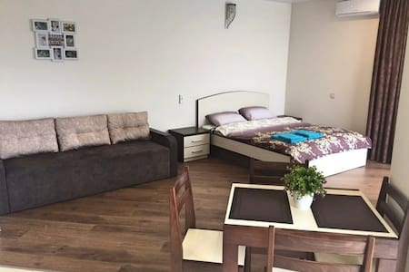 VIP  квартира в центре Бучи для четырех гостей!