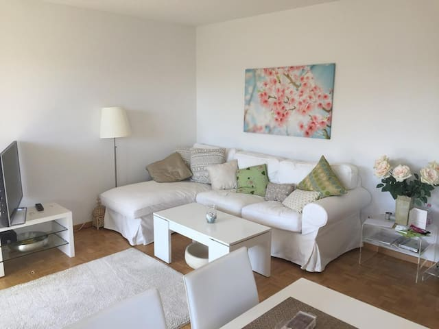 Nice apartment close (3 min) to the Train Station