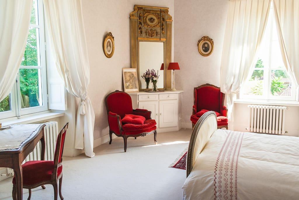 Romantic Printemps Suite with private bathroom