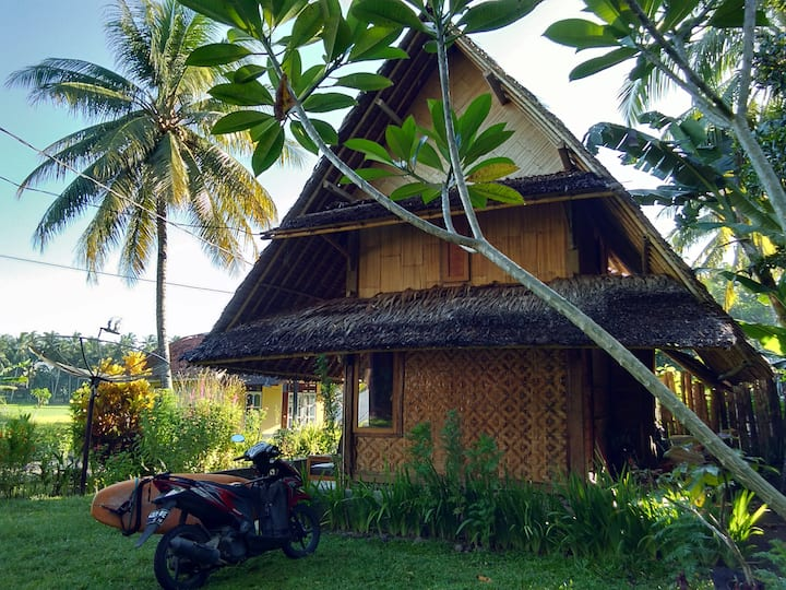 Private Room Bungalow @ Anik Homestay Batukaras
