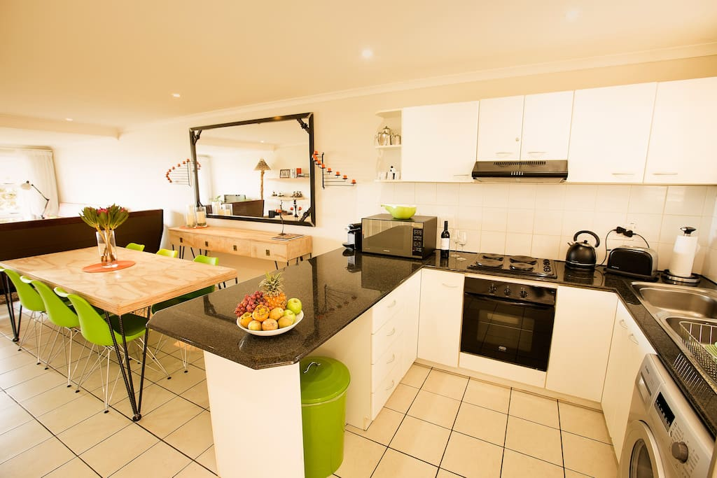 We are in walking distances of many excellent restaurants but the modern apartment offers a full kitchen for those evenings that you just want to chill at home.
