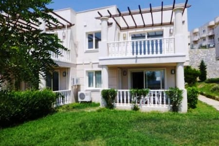 2 BEDROOMED FAMILY APARTMENT BODRUM - Milas - Apartamento