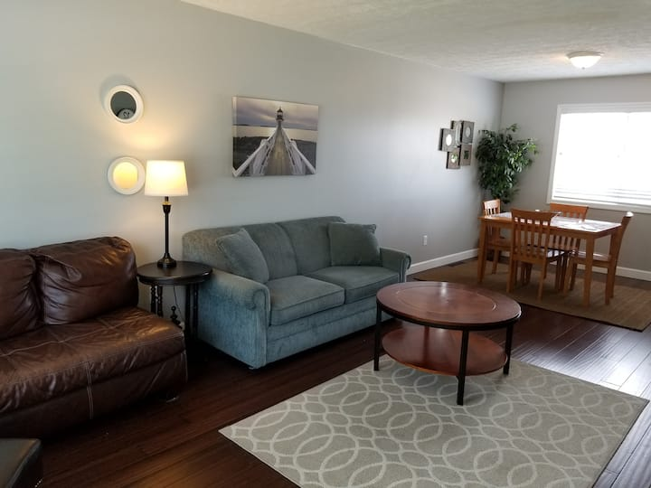 Visit this Sunday $99! 3br Downtown TC condo!