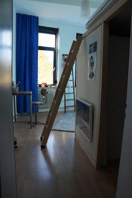 Stairways to the bed