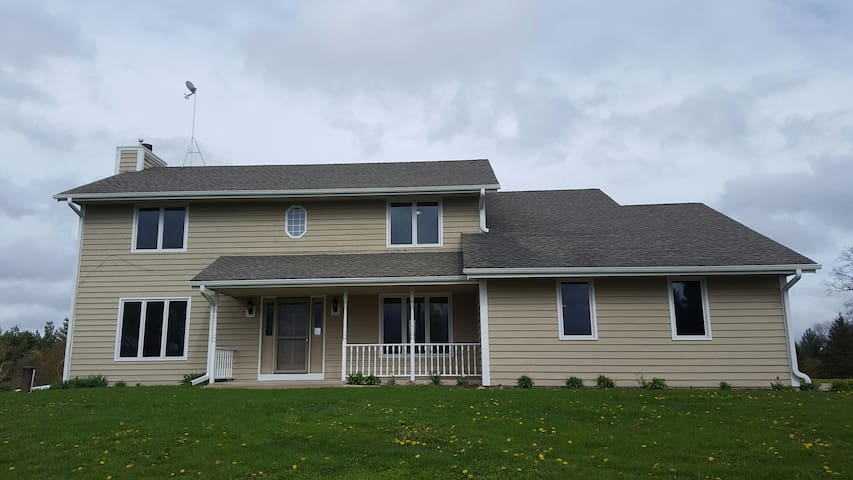 House for rent during Erin Hills US Open,(5 miles)