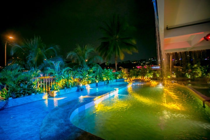 Aqva Luxury Villa W Waterfall Pool Private