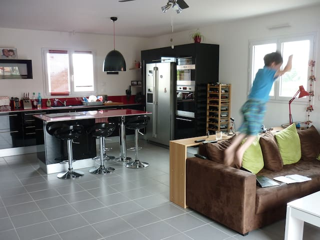 Double bed room for 2 people - Possibility for 3 - Saint-Florent-le-Vieil