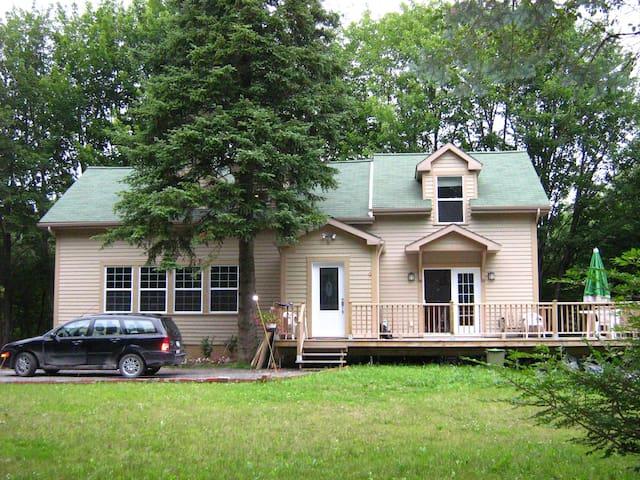 Brome Lake Schoolhouse