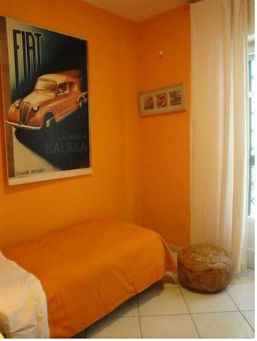 Lease 1single room private bathroom - Pozzuoli - Rumah