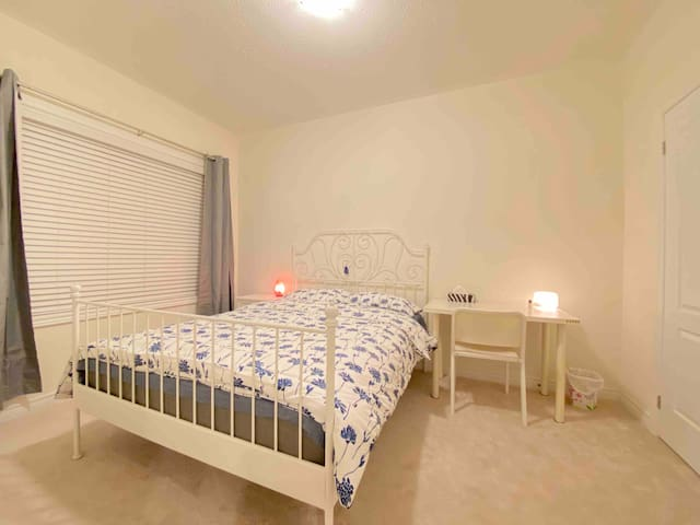 Amy's Brand New Second Floor Private Bedroom