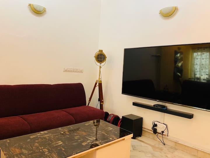 ★WOW newly renovated apartmnt South Delhi Cr Park★