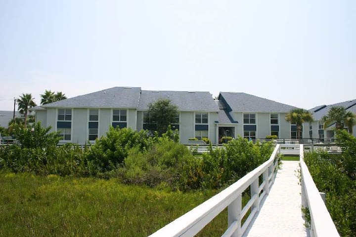 Fish, Beach and Play at Kiawah Bay  - New Smyrna Beach - Apartamento