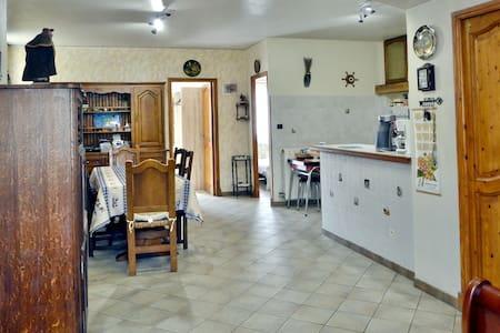 Maison individuelle, au calme