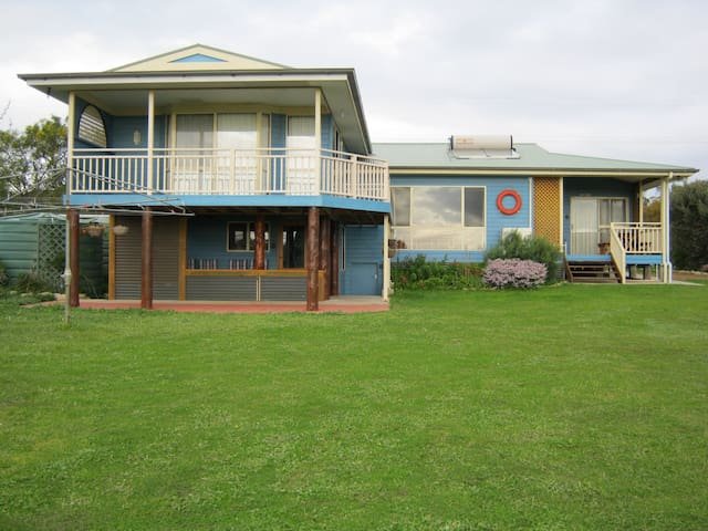 Baudins View Holiday House
