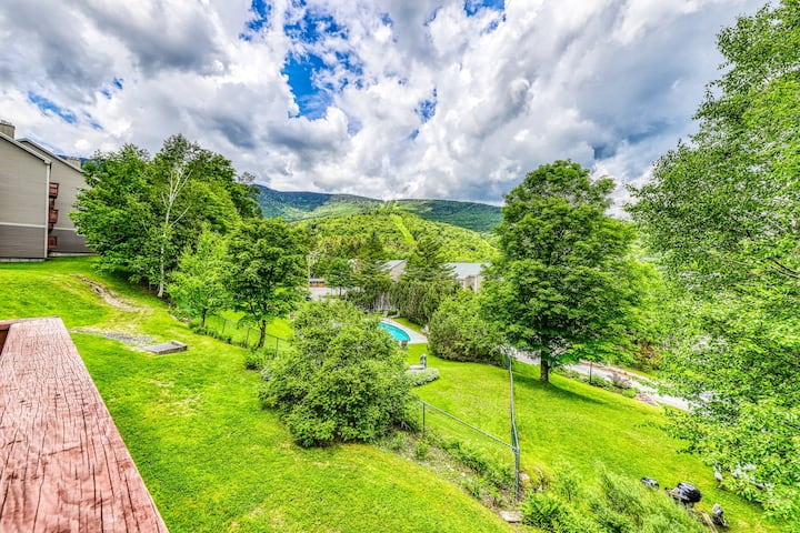 Ski-in/ski-out condo in the shadow of Sugarbush w/ fireplace and shared pool!