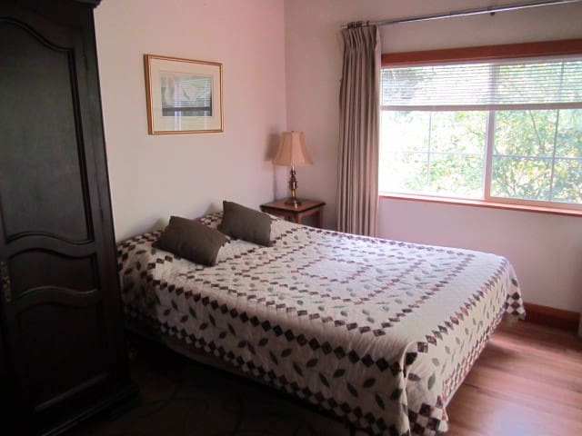 Studio retreat on 7 acres - Salem - Apartemen