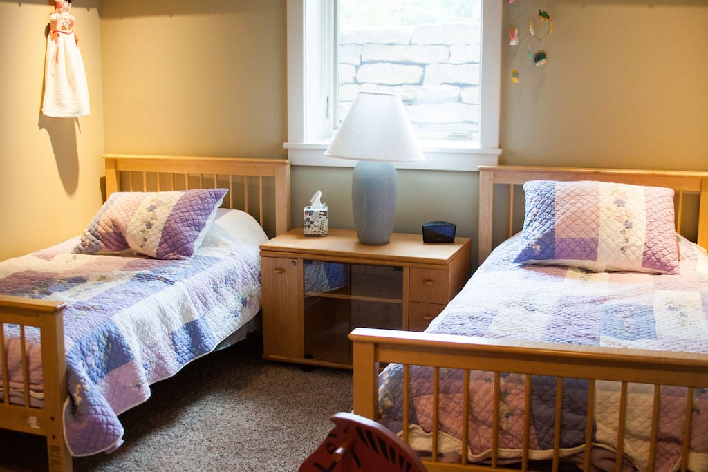 Bedroom #2 with two comfortable twin beds