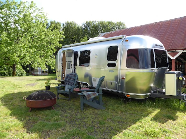 The Flying Cloud 23 ft. Airstream Travel Trailer - Silverton - Camper