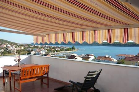 **** appartamento a 250 m dal mare - Barbat - Pis