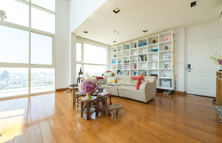 RIVER PENTHOUSE,30FL,5 PERS, FREE AIRPORT SHUTTLE - Bangkok - Byt