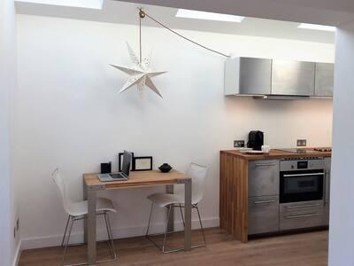 Blissful Studio flat in the heart of Kew Gardens