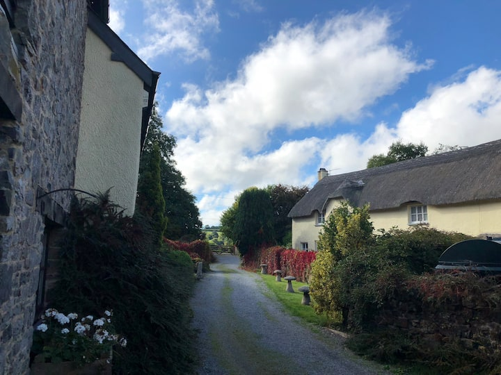 The Cottages @East Underdown, Dartmoor National Pk