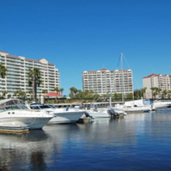 Barefoot Marina...bring your boat, rent a boat or a jet ski