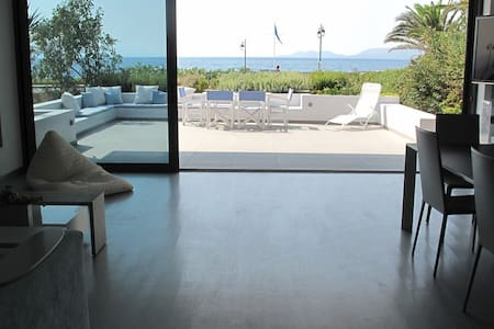 Villa on the beach of Loutraki - Loutraki, Perachora
