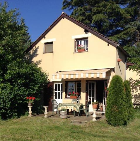 Naturistisch vakantiehuis in de Dordogne - Saint-Chamassy - Rumah