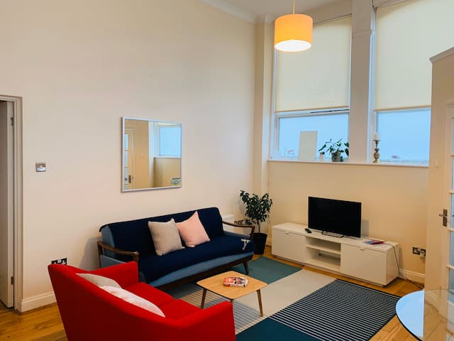 Bright and Spacious One Bed near Notting Hill