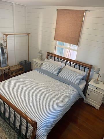Main Bedroom, Queen Bed.