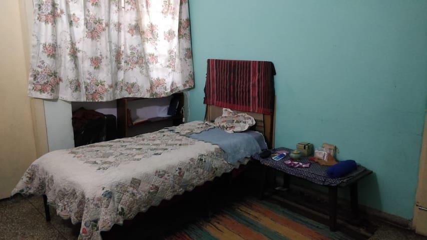 Private room in Vikaspuri