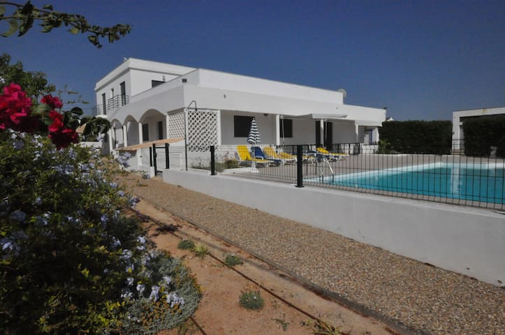 House 9BD,9BR,11AC,WiFi,Pool,Fit