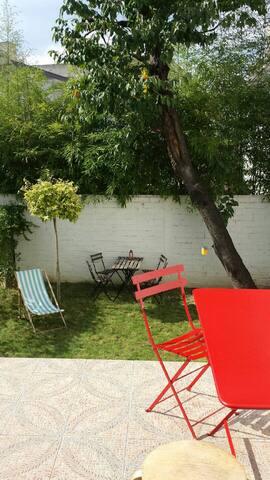 Duplex with garden 500m from Paris - Le Pré-Saint-Gervais - House