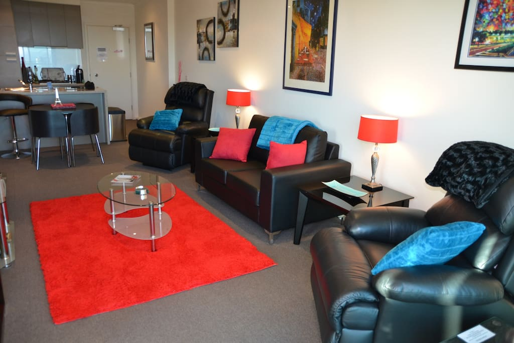 Modern, spacious and furnished for comfort. With the NEW 'couch & rug', leather recliners, table & chairs, TV/DVD. Great for couples or a single guest.