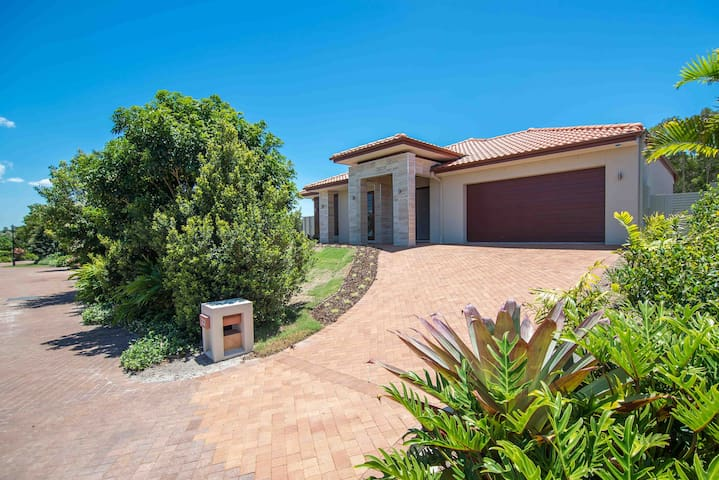 22 Oasis Drive at OASIS - Noosa Heads - House