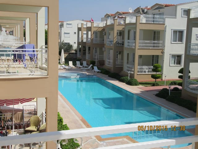 Nice apartment with huge swimmingpool, Didim - Didim - Leilighet