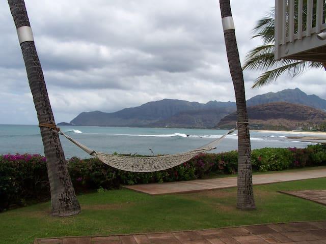 4/2 Sandy Beachfront home &  A/C - Waianae - Dům