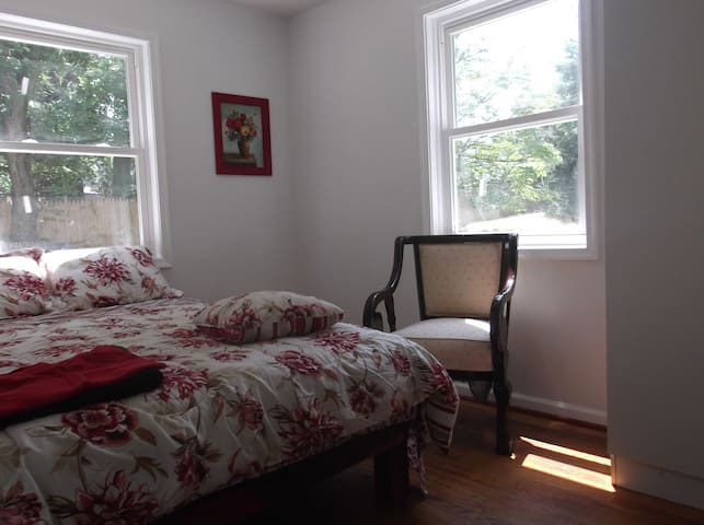 Private room #102 in Suitland - Morningside - House