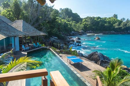 Exclusive villa on the Sea - Seychelles - Machabee