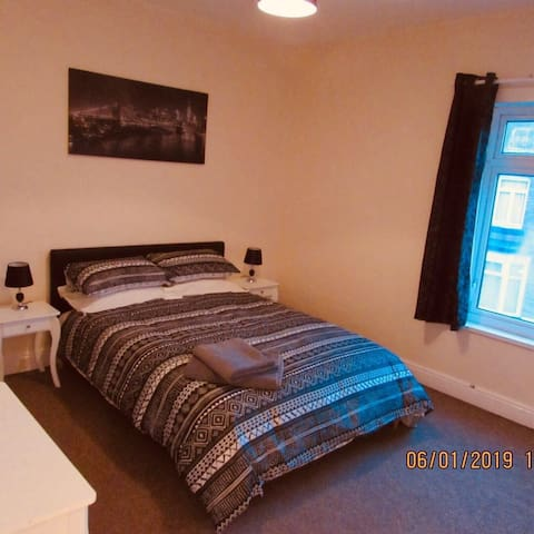 Barron House - Comfy, Cosy and fully serviced