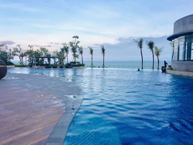 Ocean View 1 BR apartment@Borneo Bay upscale style
