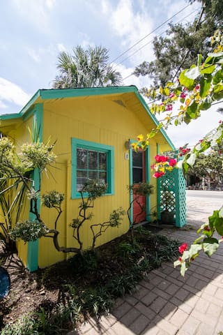 Firefly Resort Cottages' Snook Cottage, Cedar Key