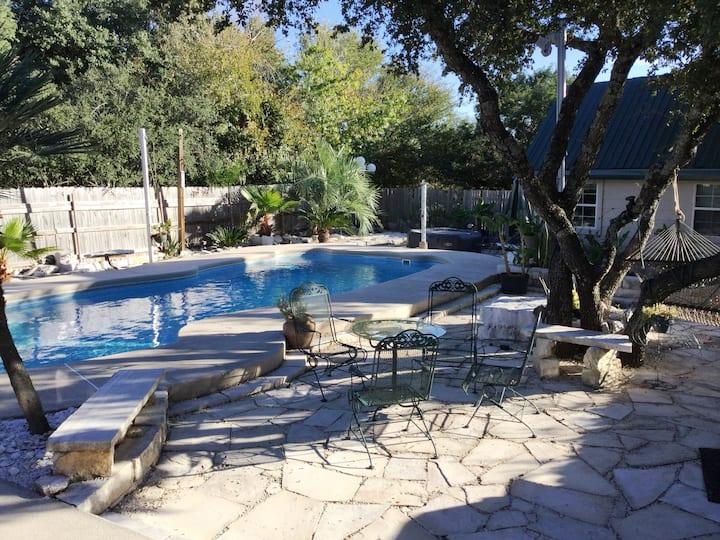 AUSTIN OASIS w/Pool & Hot tub
