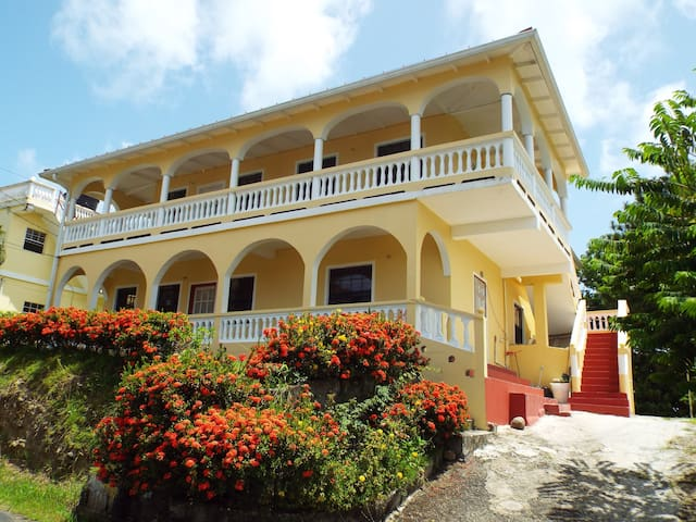 Toutwelle Lodge B&B - Praslin - Bed & Breakfast